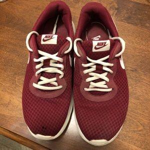 Women's used Size 9 Maroon Nike's